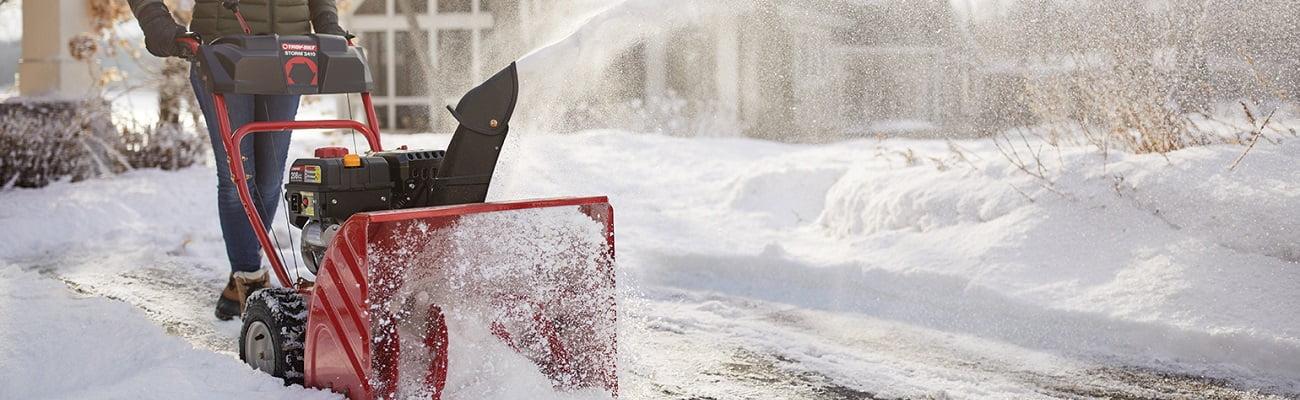 Sniega pūtēji labas cenas dārza tehnikai līzingā ar piegādi visā Latvijā