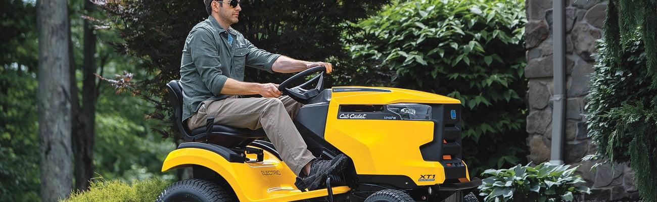 Cub Cadet mauriņa traktori labas cenas dārza tehnikai līzingā ar piegādi visā Latvijā